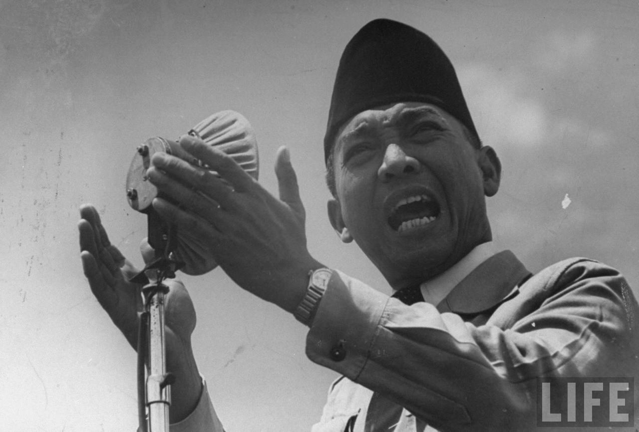 Watak Orang Dilihat dari Ia Memakai Songkok