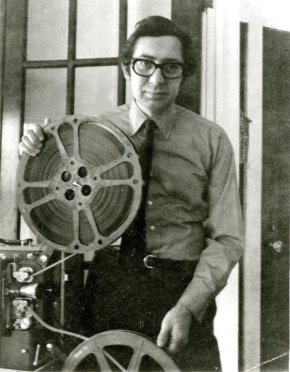 Professor Indiana University, Sejarawan (1913-2016)